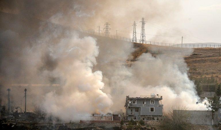 """Turquía sigue combatiendo a las milicias kurdas, """"para inquietud de EEUU"""""""