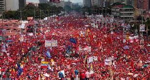 El chavismo inunda las calles de Caracas para demostrar lealtad con Maduro