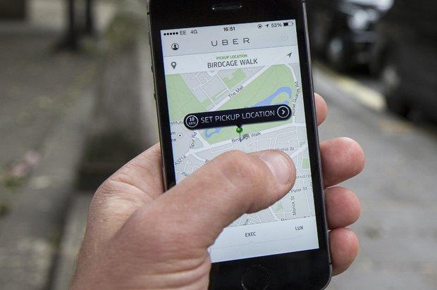 Conductor de Uber agredió a inspector de tránsito en aeropuerto de Carrasco