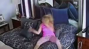 Graban a mujer castigándose a sí misma para presentar denuncia por violencia doméstica