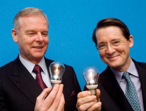 Europa comienza a apagar la luz de las bombillas halógenas