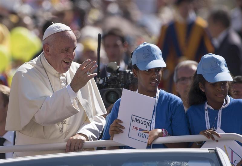 """El papa invita a rezar por Brasil """"en este momento triste"""""""