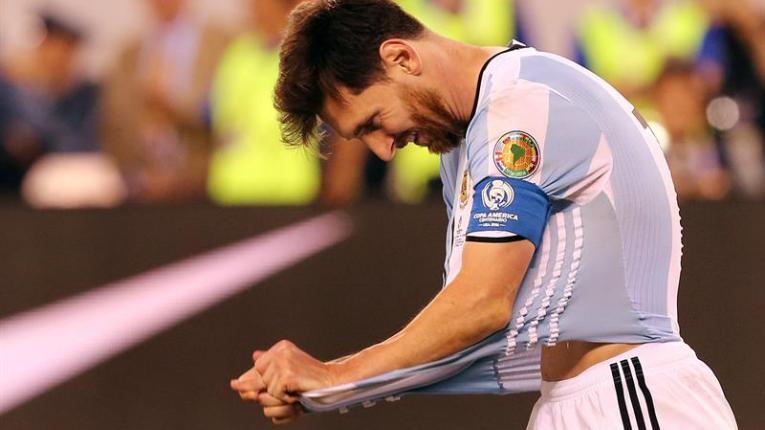 Messi no juega ante Venezuela por inflamación en el pubis