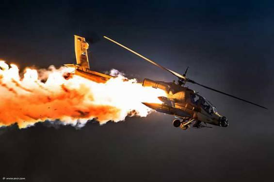Un helicóptero Mi-8 se incendia con 10 personas a bordo en Rusia