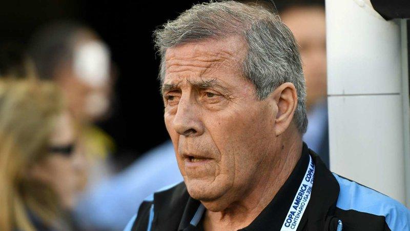 Juntan firmas en internet para que Tabárez abandone su cargo como DT de la Selección Uruguaya