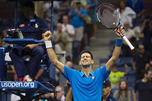 Djokovic sigue en carrera en su defensa del título y ya está en cuartos del US Open
