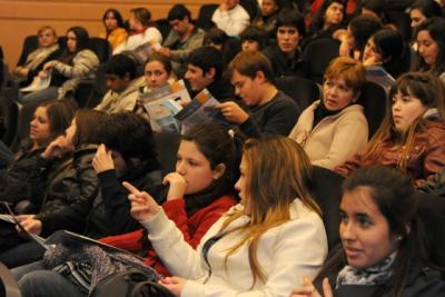 Éxito de Yo estudio Yo trabajo en Uruguay: En 48 horas 3 mil jóvenes se anotaron y serán 20 mil