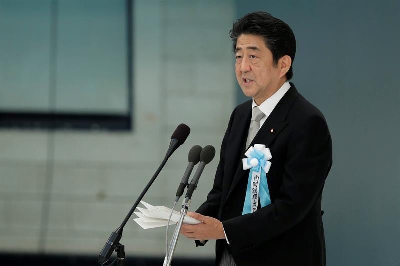 Japón se acerca a Cuba: El primer ministro Shinzo Abe envía mensajes a Fidel y Raúl Castro