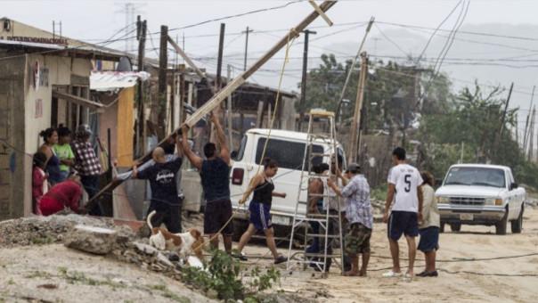 Huracán Newton deja cientos de afectados a su paso por México