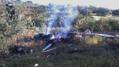 Delincuentes derriban avión de la policía en México y dejan cuatro muertos
