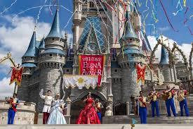 ¿Por qué los parques de Disney ahora piden escanear las huellas de los niños?