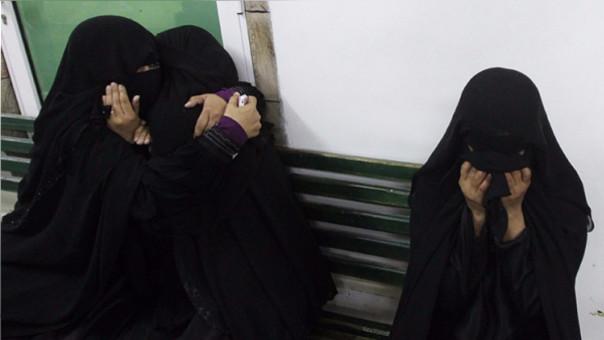 Patean en el abdomen a una mujer embarazada por llevar un niqab en España
