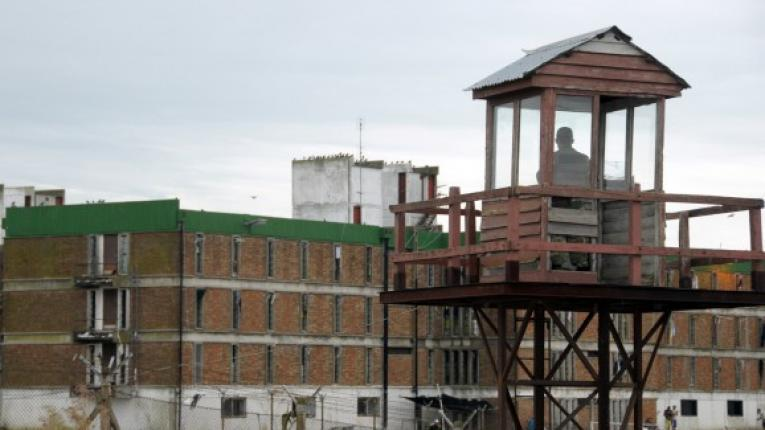Un recluso murió carbonizado y otros dos resultaron heridos graves durante reyerta en el Comcar