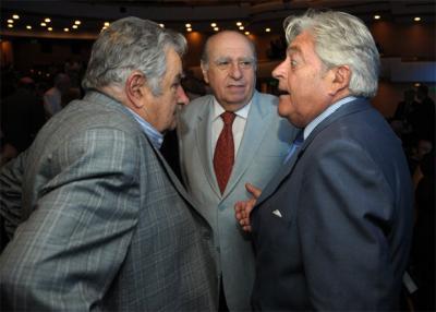 """Sanguinetti: """"Los del Frente Amplio no son demócratas"""""""